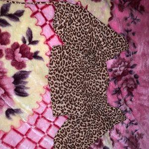 Cotton on leopard top